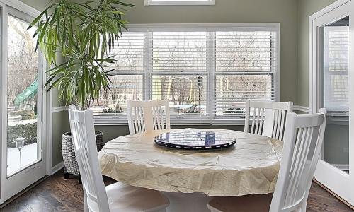 Window Repair Helps Homeowners Regulate Temperatures Easier